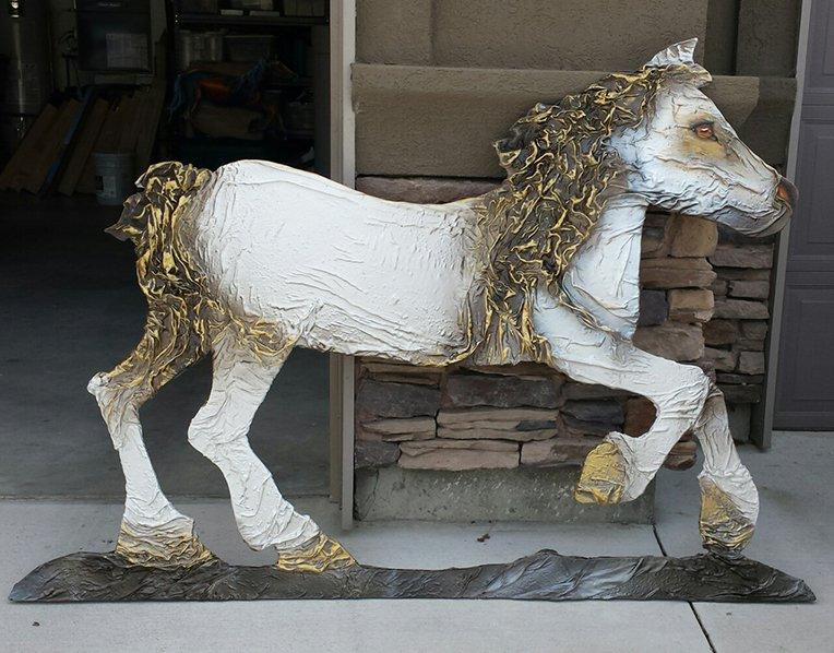 lisas cloth horse
